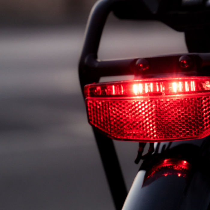 Safer on the road with bright brake light